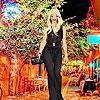 Одевалка: Городская мода (Girl on city street dress up)